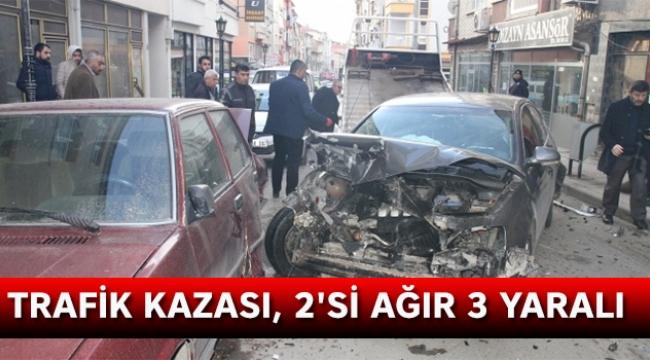 Trafik kazası, 2'si ağır 3 yaralı