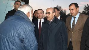 Vali Demirtaş, 19 Mayıs'ta vatandaşlarla kucaklaştı
