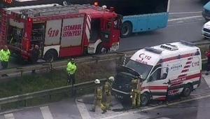 Ambulans hasta taşırken alev aldı