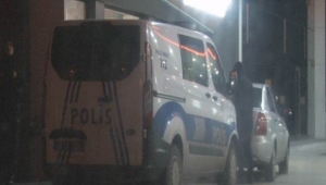 Benzin istasyonunda silahlı maskeli soygun
