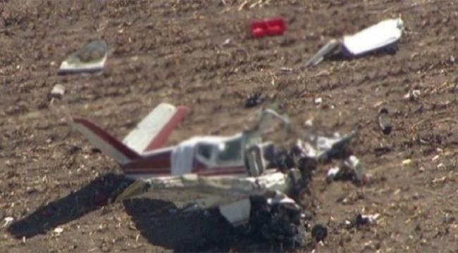 İçinde 5 yolcu bulunan uçak düştü