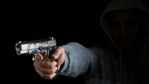 Lise öğrencisi annesiyle tartışan babasını öldürdü