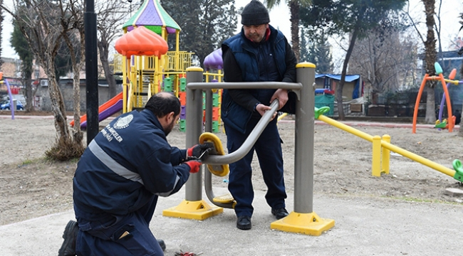 Seyhan'da parklara bakım ve onarım
