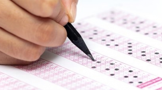 Sınava hile karıştırdılar
