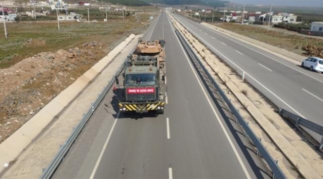 Sınır birliklerine tank sevkıyatı başladı