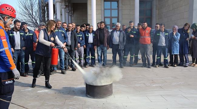 Yüreğir'de belediye personeline afet bilinci eğitimi