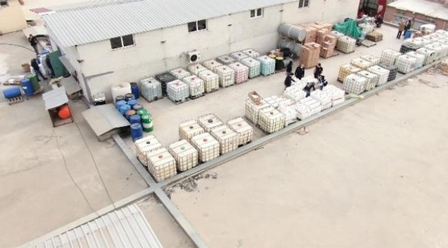 2 milyon lira değerinde sahte dezenfektan ve şampuan ürettiler