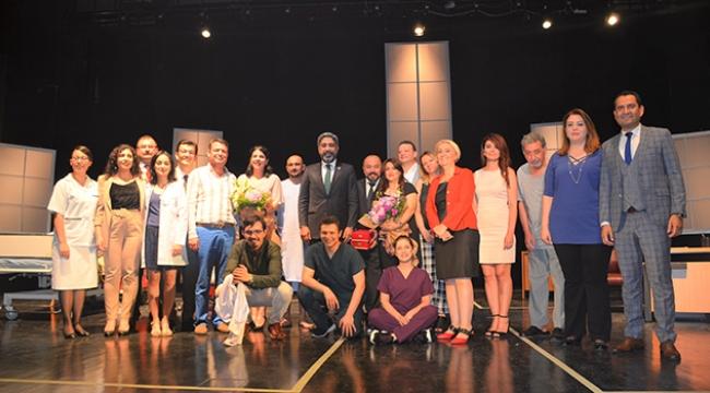 Başkan Küçük: Tiyatro toplumları düşündürür geliştirir ve iyileştirir