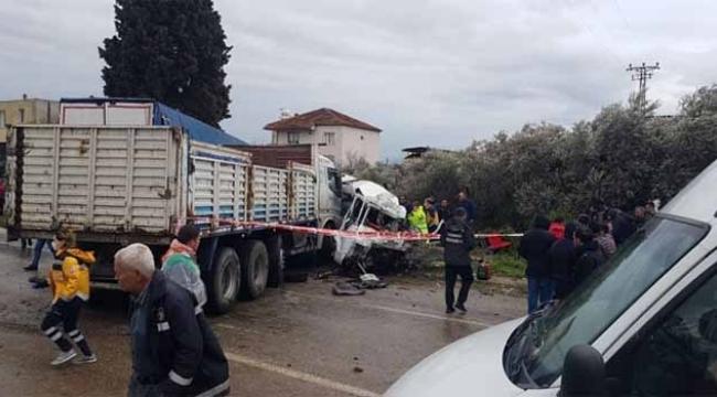 Korkunç kaza: 1 ölü, 4 yaralı