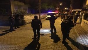 Yolda yürüyen iki kuzen silahlı saldırıya uğradı