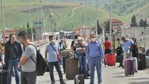 135 Türk vatandaşı yurda girdi