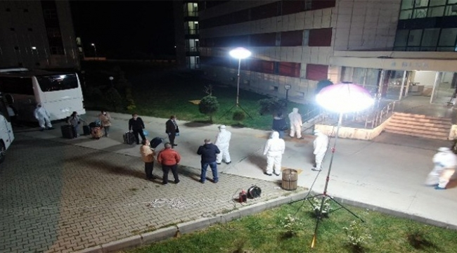 360 Türk vatandaşı Adana'ya getirildi