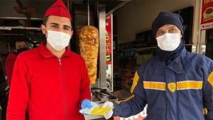 Vatandaşa maske dağıtımına başlandı