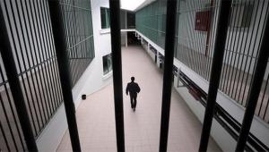 Cezaevinden izinli çıktı dolandırıcılık yaptı