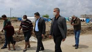 Karataş Belediyesi tarım işçilerini yalnız bırakmıyor