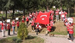 Kızılay gönüllülerinden anlamlı bayram kutlaması