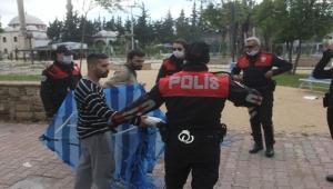 Uçurtma yasağını deldiler polise yakalandılar