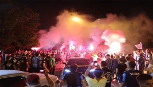 Adana Demirspor kulübü şampiyon gibi karşılandı