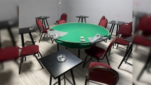 Düğünde salonunda kumar oynadılar...