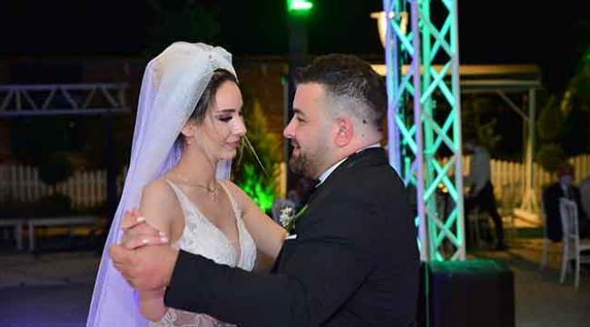 Emine ile Tolga'nın düğünü 3 gün 3 gece sürdü