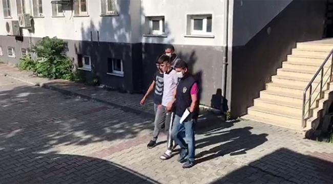 Gençlerin yumruklu kavgası kamerada