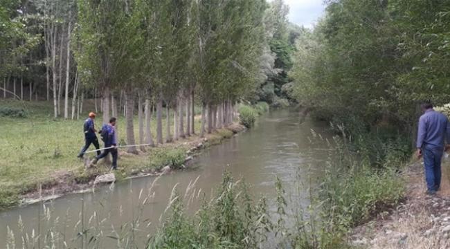 Su kanalı kenarında oynayan çocuk kayboldu...