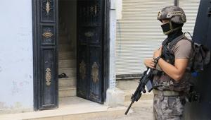 Organize şubeden Adana'da şafak operasyonu