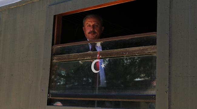 'Terör örgütü, Suriye'nin yer altı zenginliklerini peşkeş çekiyor'