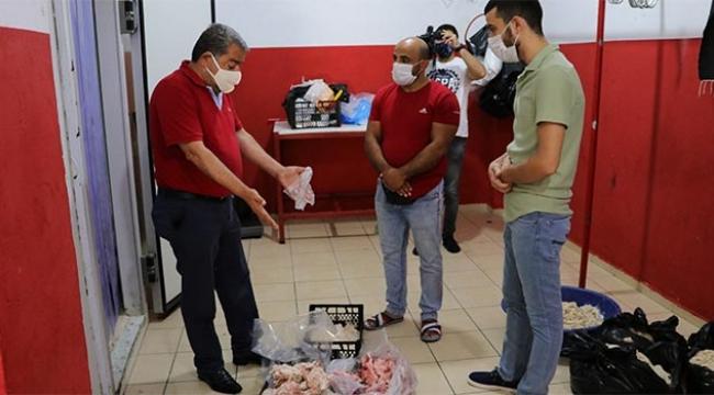 Yüzlerce kilo kokmuş et ve sakatat ele geçirildi