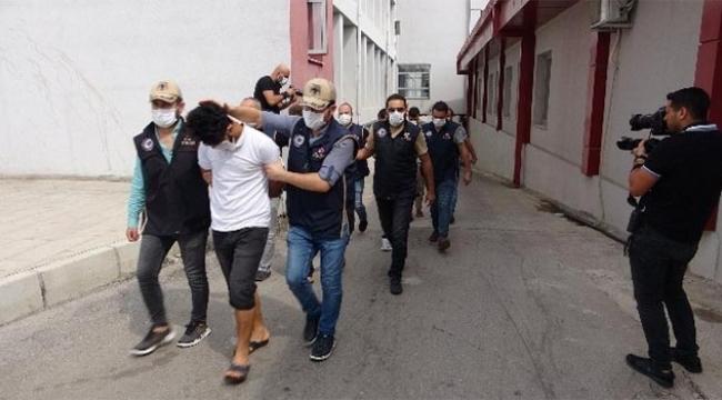 Adana'da DEAŞ'a yönelik operasyonlar sürüyor..