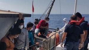 Akdeniz'de 90 göçmen yakalandı...
