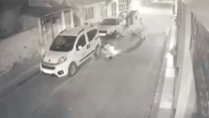 Bisiklete çarpıp metrelerce sürükledi