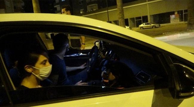 Uygulamadan kaçtı polis aracına çarptı