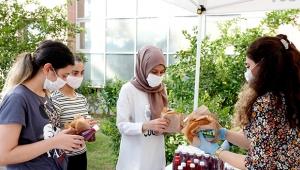 Gıda Günü'nde Adana Şalgamı ve simit ikram edildi