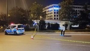 Otomobilden çıkarıp silahla vurdular