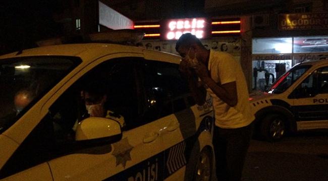 Aracı bozulan sürücün yardımına polis yetişti