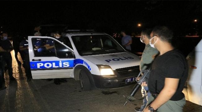 Ses bombası attılar polise yakalandılar