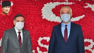 AK Parti Adana Milletvekili Ahmet Zenbilci esnafın sorunlarını dinledi