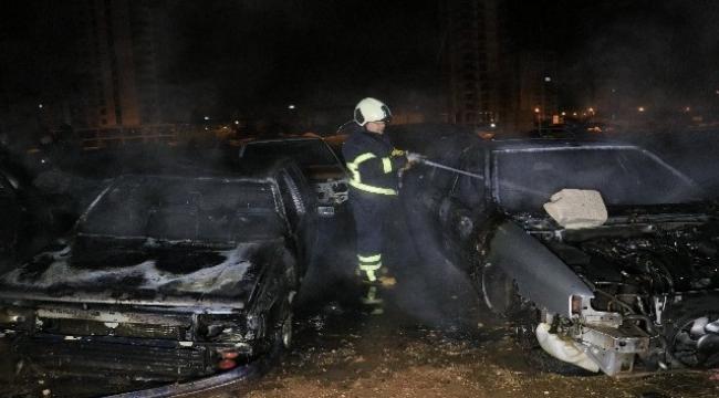 Araç hurdalığında yangın paniği