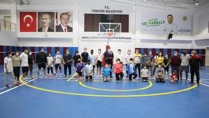 Çintimar Ertuğrul Gazi Spor Kompleksi'ni Gezdi