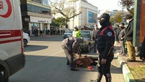 Otomobilin çarptığı yaşlı kadının feryadı yürek yaktı
