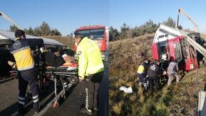 Şoför uyuyakaldı tır şarampole devrildi