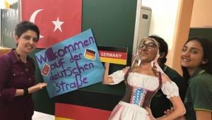 TOKİ Sarıçam Anadolu Lisesi 9. Sınıflara Oryantasyon veriyor