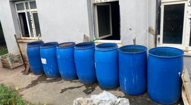 2 bin 443 litre sahte içki ele geçirildi
