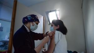 Aşı olanlar yan etkilerle karşılaştığında ne yapmalı?