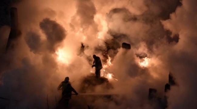 Evin çatı katında korkutan yangın