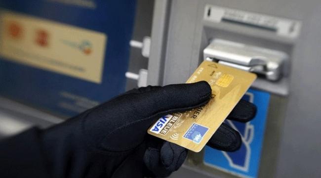 Kredi kartı bilgilerinin koplayarak alışveriş yaptılar