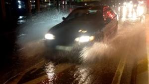 Yağmur şiddetini artırarak devam ediyor