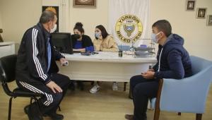 Yüreğir Belediyesi'nden engelli memur adaylarına rehberlik desteiği