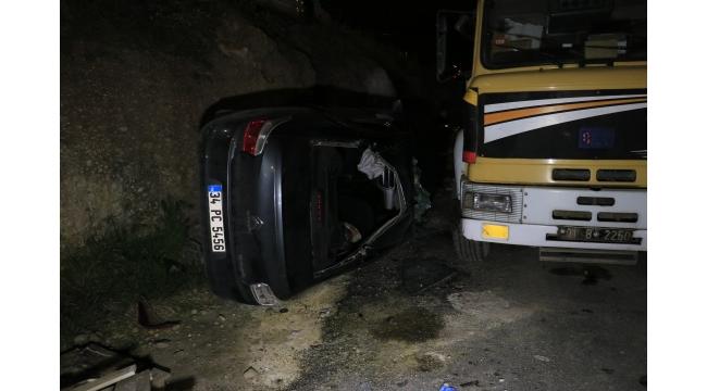 Adana'da otomobil şantiyeye devrildi: 1 yaralı